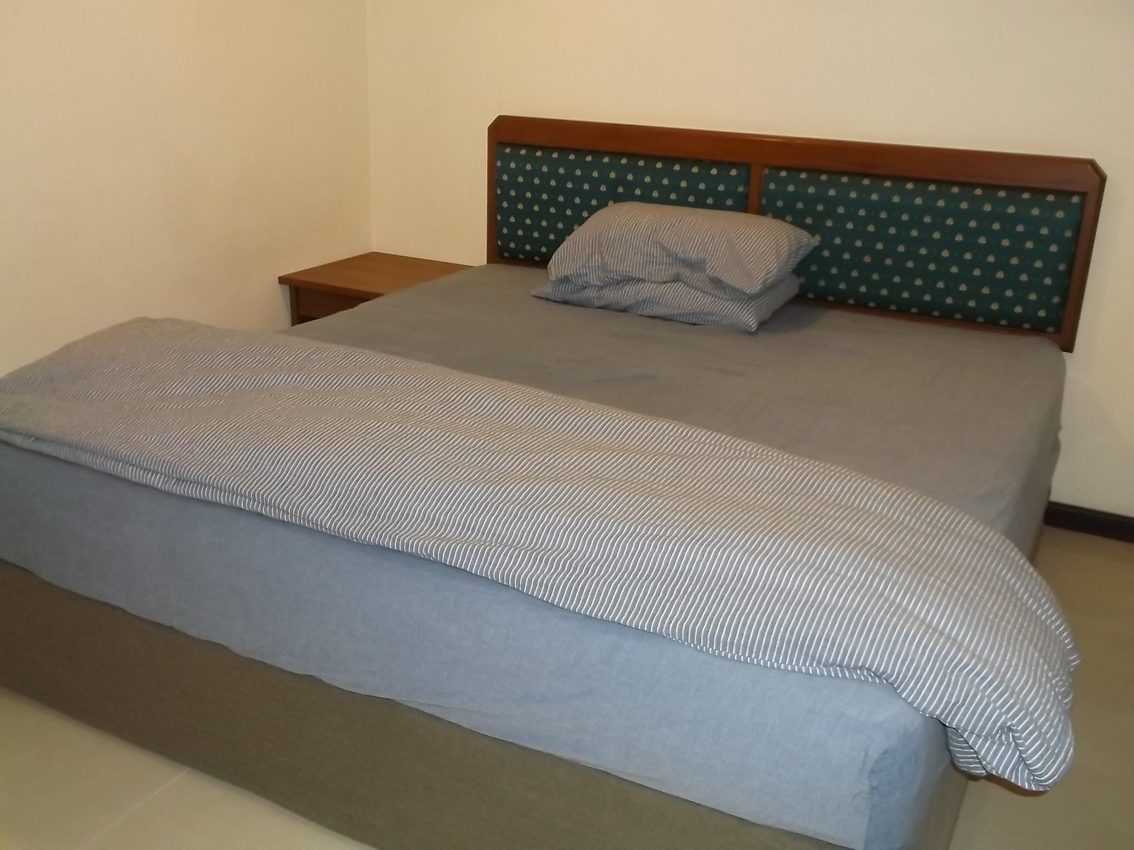 ベッドのシーツ類や掛け布団をどこで手に入れるか?